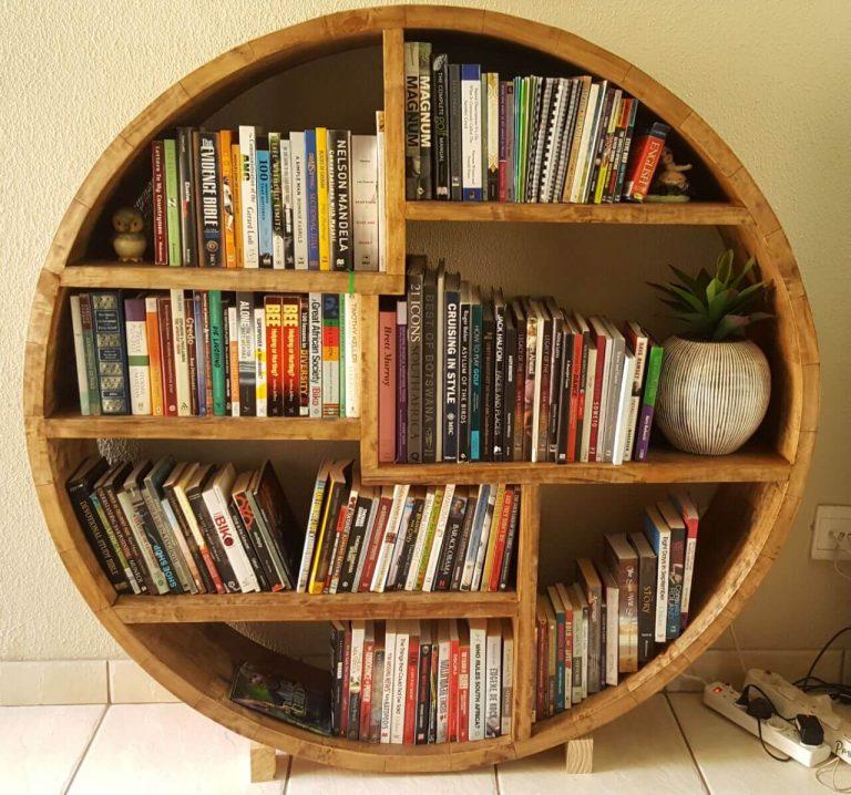 Fresh Timber Round bookshelf