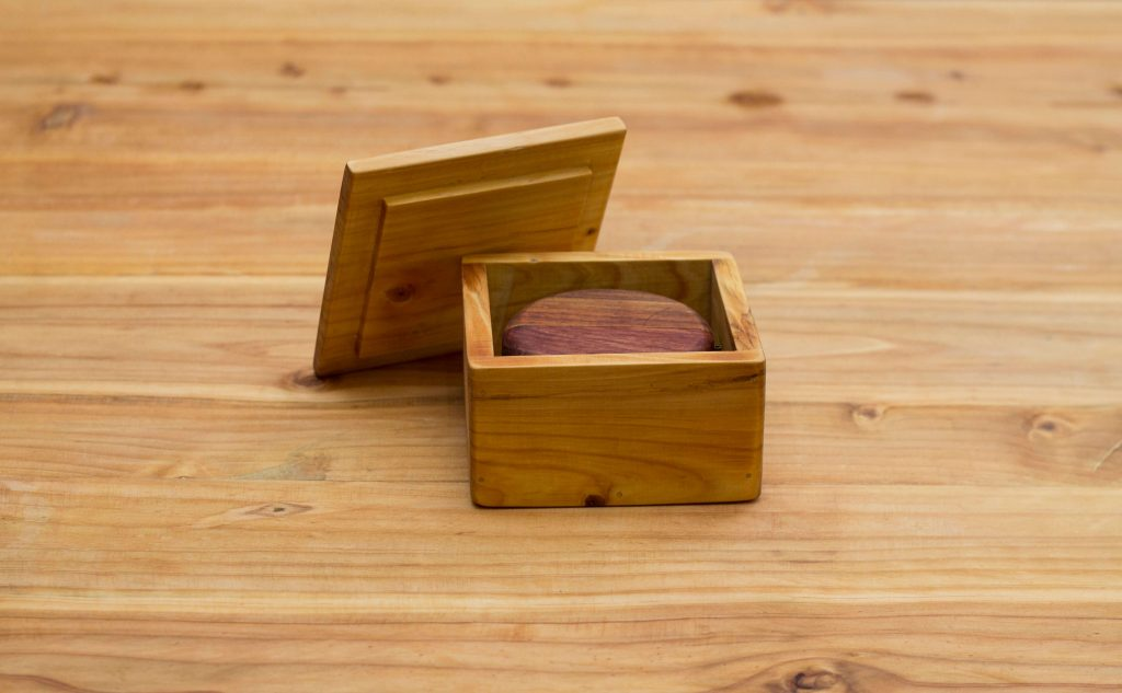 Fresh Timber engagement ring box Rosewood and Kiaat
