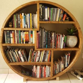 Fresh Timber Round bookshelf